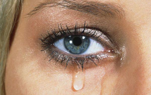 گریه کردن چه فوایدی دارد؟ (با 7 فایده اشک ریختن آشنا شوید)