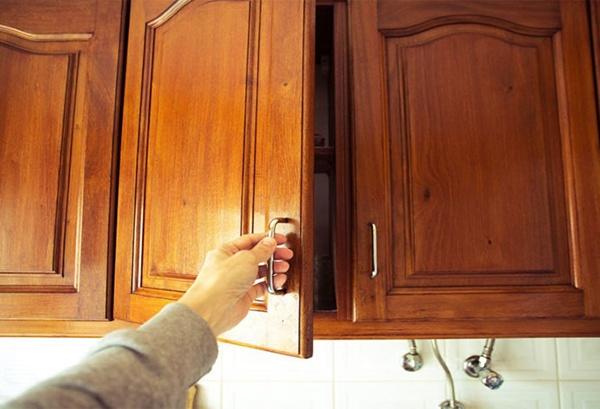 8 کاربرد روغن زیتون در زندگی روزمره و خانه داری