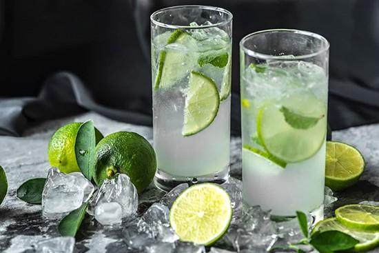 طرز تهیه بهترین نوشیدنی های تابستانی