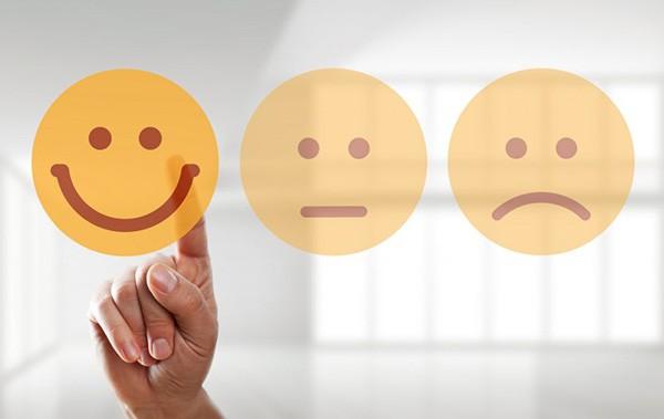 مثبت اندیشی چیست ؟ راه های افزایش دید مثبت به زندگی نگاه کنیم