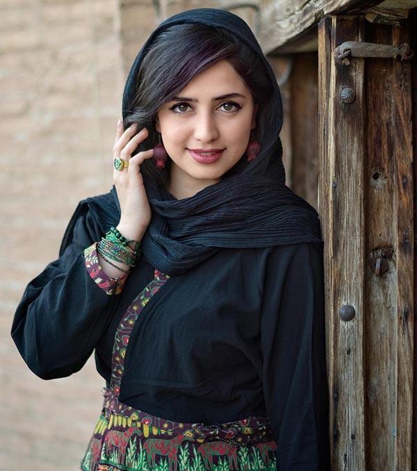 بیوگرافی زهره نعیمی + عکس های زهره نعیمی بازیگر سریال پرگار