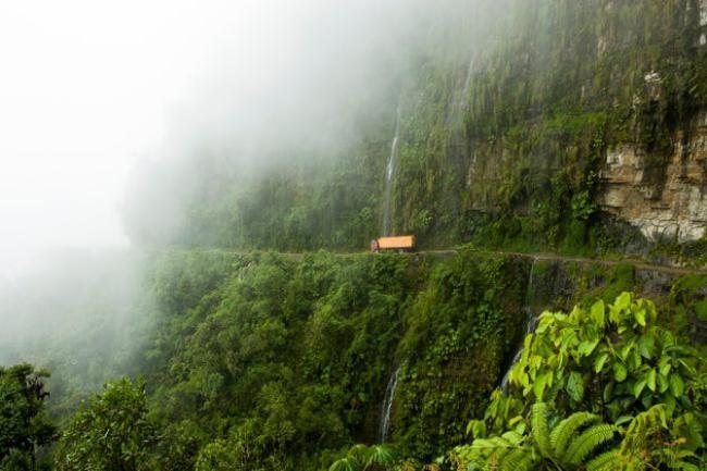 با خطرناک ترین جاذبه های گردشگری دنیا آشنا شوید !
