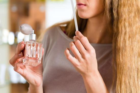 تعبیر خواب عطر و ادکلن | دیدن خواب عطر چه تعابیری دارد؟