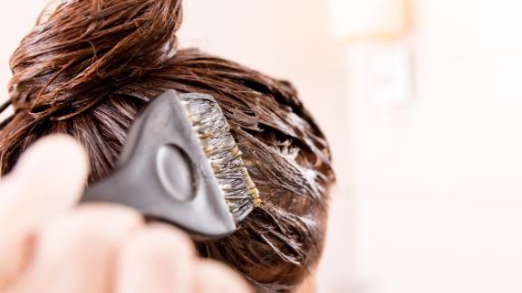 آموزش رنگ كردن موی سر در خانه مخصوص عید