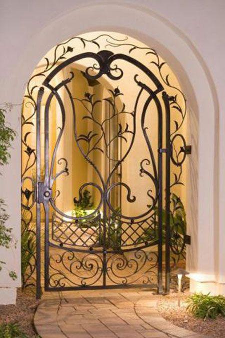 آشنایی با درب فلزی و حفاظ پنجره