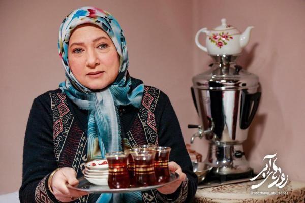 بیوگرافی تمام بازیگران سریال روزهای آبی + زمان پخش و داستان