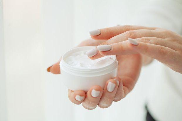 کرم مرطوب کننده قوی برای پوست خیلی خشک