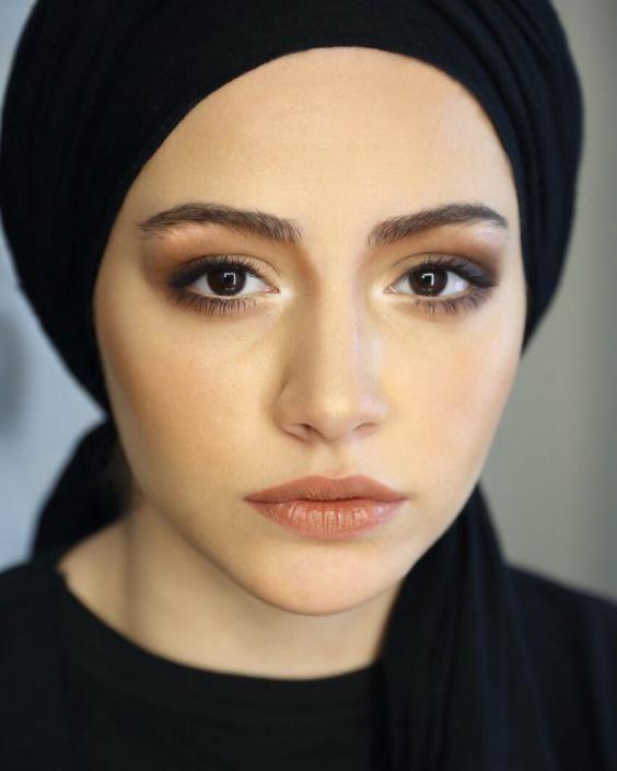 بیوگرافی مهتاب ثروتی بازیگر محبوب + عکس های جدید و اینستاگرام