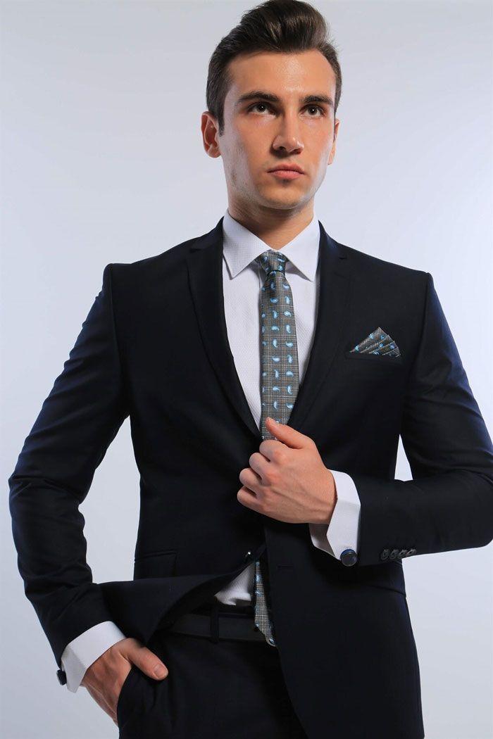 انتخاب بهترین مدل های روز لباس مردانه در سال 2021