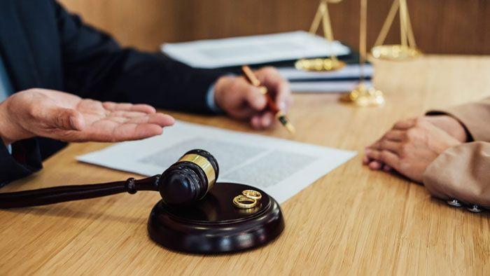 طلاق غیابی خارج از کشور چگونه انجام می شود؟ (راهنمای مرحله به مرحله)