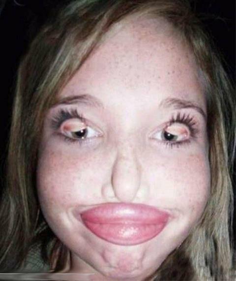 شکلک بسیار عجیب و نادر www.parsnaz.ir یک دختر