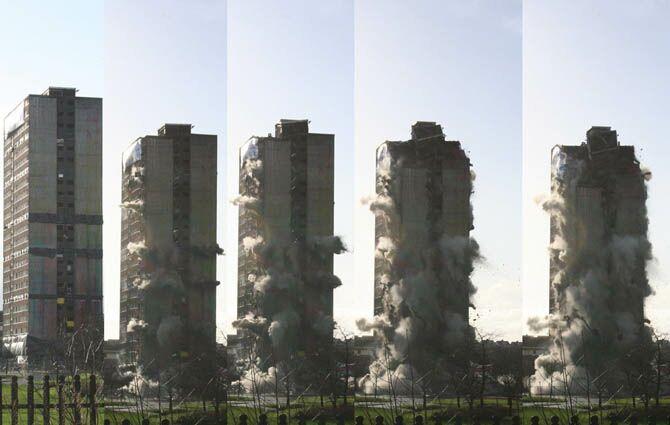 عکسهای دیدنی از لحظه تخریب ساختمان های بزرگ
