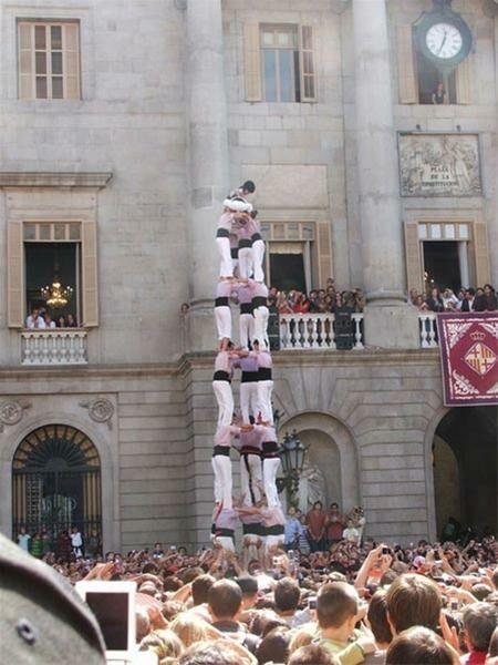 فستیوال دیدنی برجهای انسانی در اسپانیا + عکس