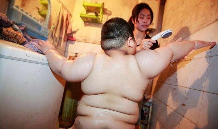 تصاویر جدید از چاق ترین کودک 4 ساله جهان