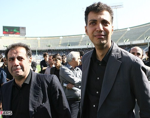 گریه عادل فردوسیپور در مراسم تشییع ناصر حجازی + عکس