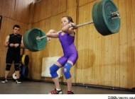 دختری 11 ساله قویترین وزنه بردار كوچك جهان