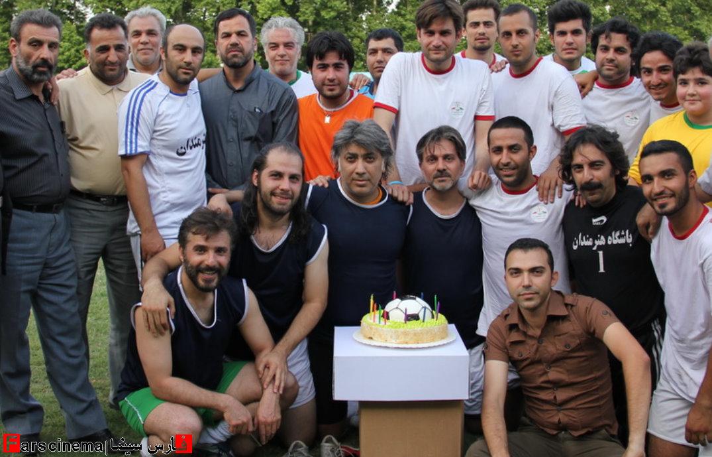 نمایش پست :بازیگران سینما و تلویزیون در تیم فوتبال + عکس