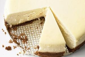 نمایش پست :طرز تهیه کیک پنیرکلاسیک