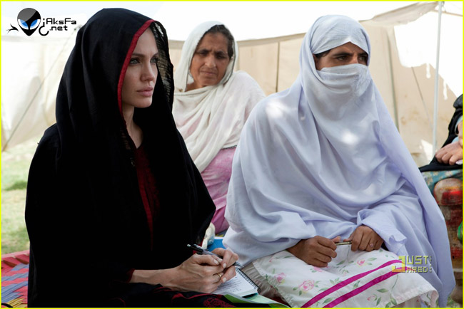 عکس های آنجلینا جولی در پاکستان