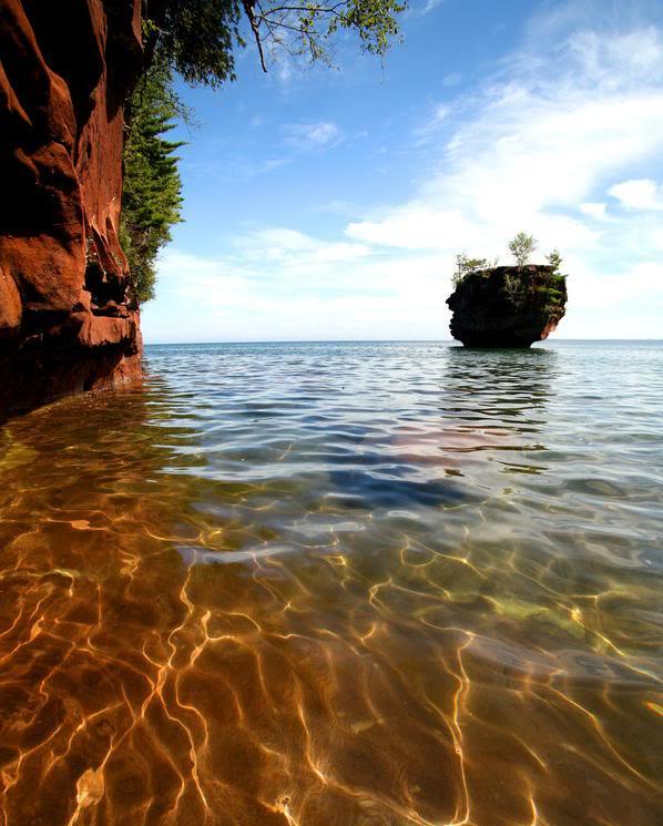 تصاویر بسیار دیدنی از زیباترین دریاچه دنیا