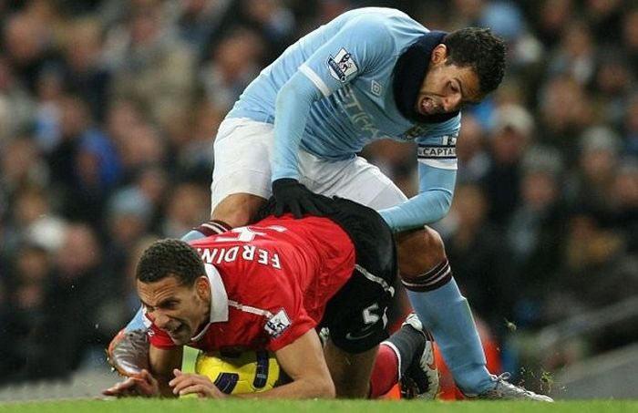 عکسهایی بسیار خنده دار و دیدنی از حوادث فوتبالی