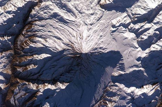 تصویر هوایی ناسا از قله دماوند