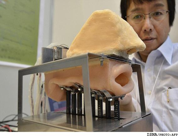 ساخت روبات آوازخوان با لبهای مصنوعی..(تصاویر)