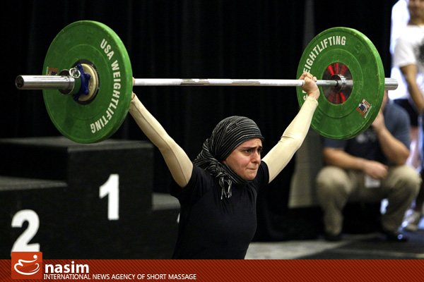 زن مسلمان وزنه بردار آمریکایی..(تصاویر)