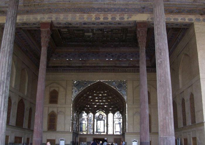 تصاویری زیبا و دیدنی از کاخ موزه چهلستون اصفهان