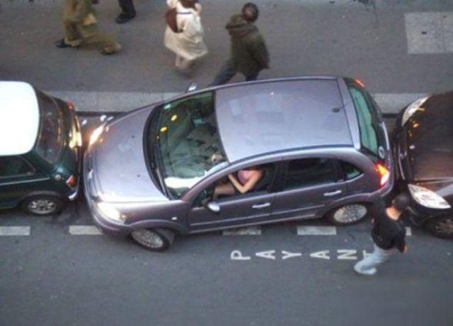 عکس های خنده دار از شاهکارهای رانندگی حرفه ای خانوم ها
