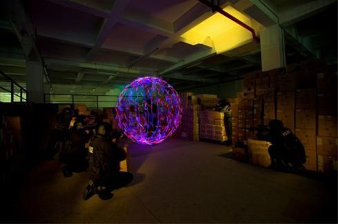 شگفت انگیزترین تصاویر از عکاسی از ترکیب نور و لیزر!