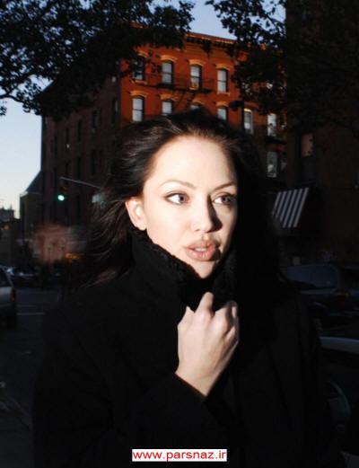 شباهت باور نکردنی یک زن به آنجلینا جولی!! +(تصاویر)