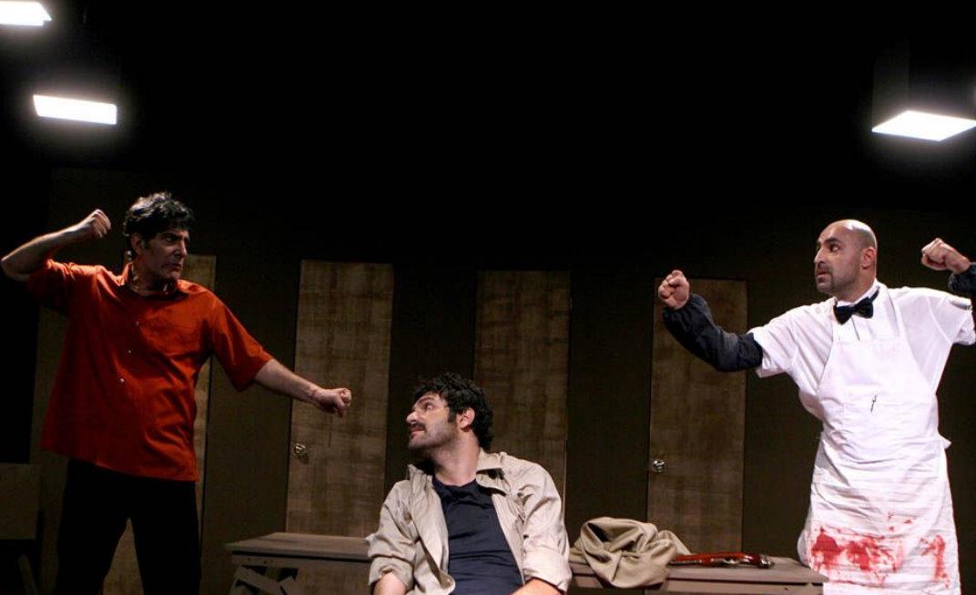بازیگر سریال ساختمان پزشکان در نمایش کمدی ماه زدگان