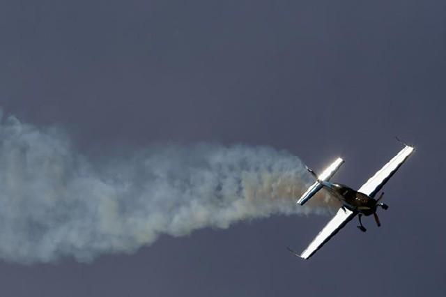 مانور هوایی بسیار دیدنی و تماشایی در آمریکا+عکس