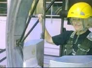 مادر بزرگ 72 ساله به فضا می رود!!+عکس