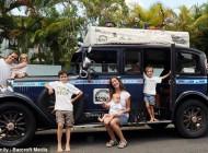 سفر دور دنیا در 11 سال + عکس