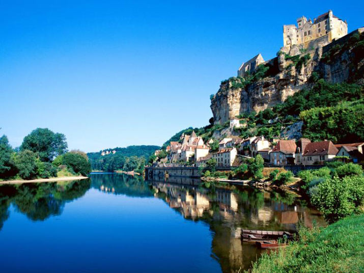 جاهای دیدنی فرانسه راهنمای سفر و  عکس مکانهای دیدنی و سواحل تفریحی