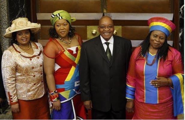عکس رئیس جمهوری با پنج زن و 20 فرزند !!