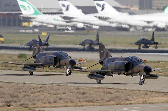 تصاویری دیدنی از هواپیماهای جنگنده ایران