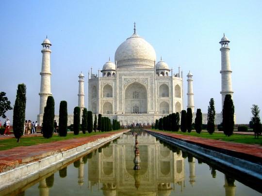 10 مکان از عجیب ترین ساخته های دست بشر