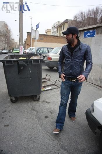 علیرضا واحدی نیکبخت با ماشین پیکان + مصاحبه
