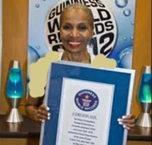 عکس پیر ترین زن بدنساز در جهان با 75 سال سن