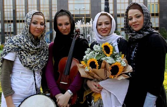 اولین گروه دخترانه موسیقی پاپ ایران + تصویر