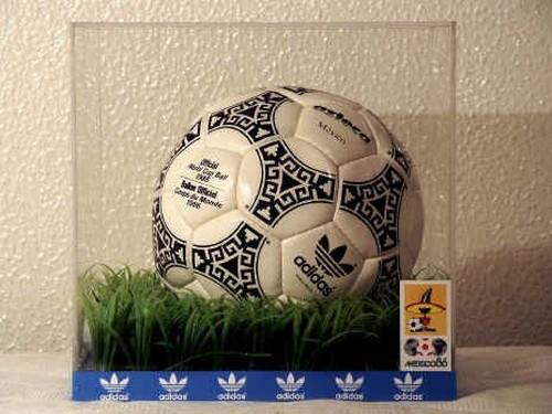 عکس قدیمی ترین توپ فوتبال