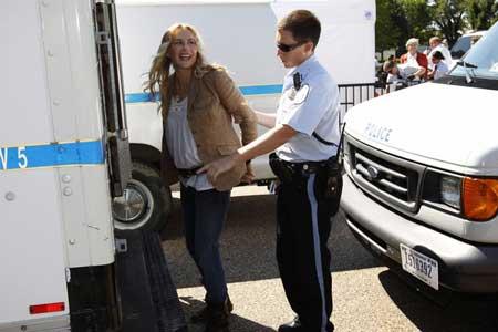 بازداشت بازیگر معروف هالیوود روبروی کاخ سفید + تصویر