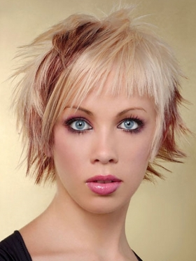 На этих фото вы видите креативные женские стрижки с окрашиванием для коротких волос.