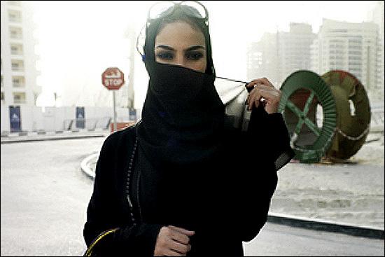 بی حجابی علنی دختران سعودی در جده + تصویر