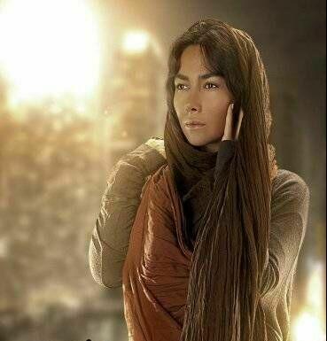 www.parsnaz.ir - زن زیبای سینمای ایران که مدل شد +عکس