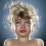 تصاویری از سو استفاده بی رحمانه از یک کودک