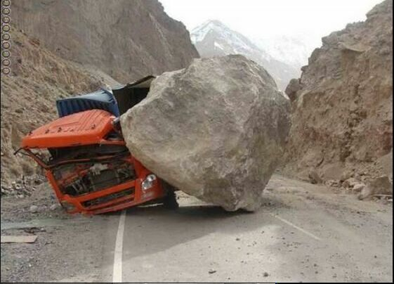 عکس های هیجانی و جالب از عجیب ترین تصادفات